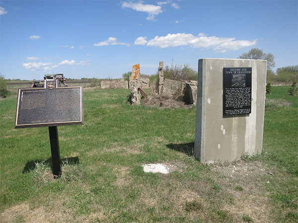 Burrows Mill commemorative monument and ruins